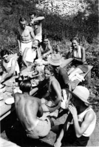 1947-48festivitésChalet01W