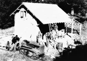 1947reconstruction04tracteurNB